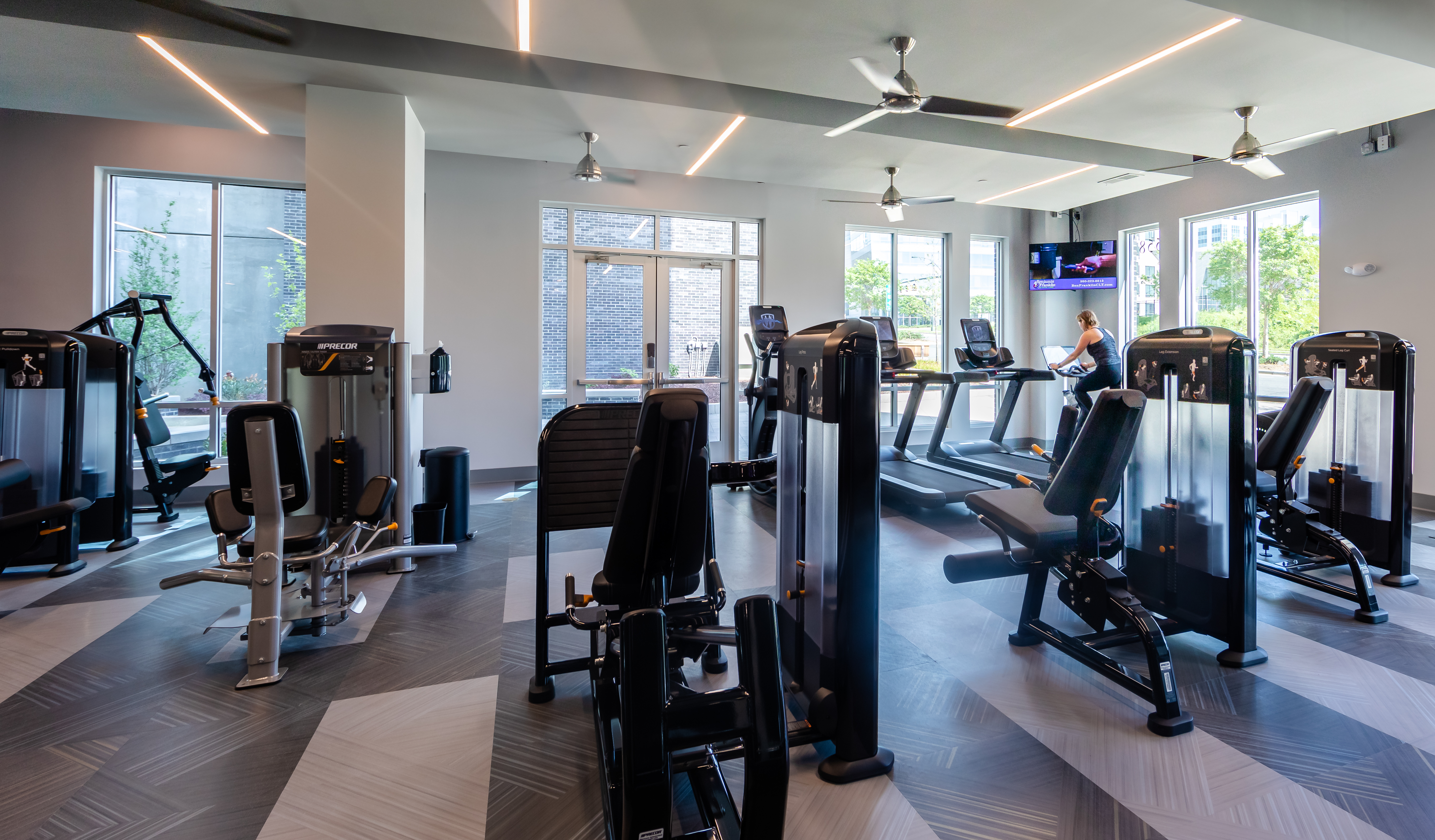 500 West Trade Apartment Amenities