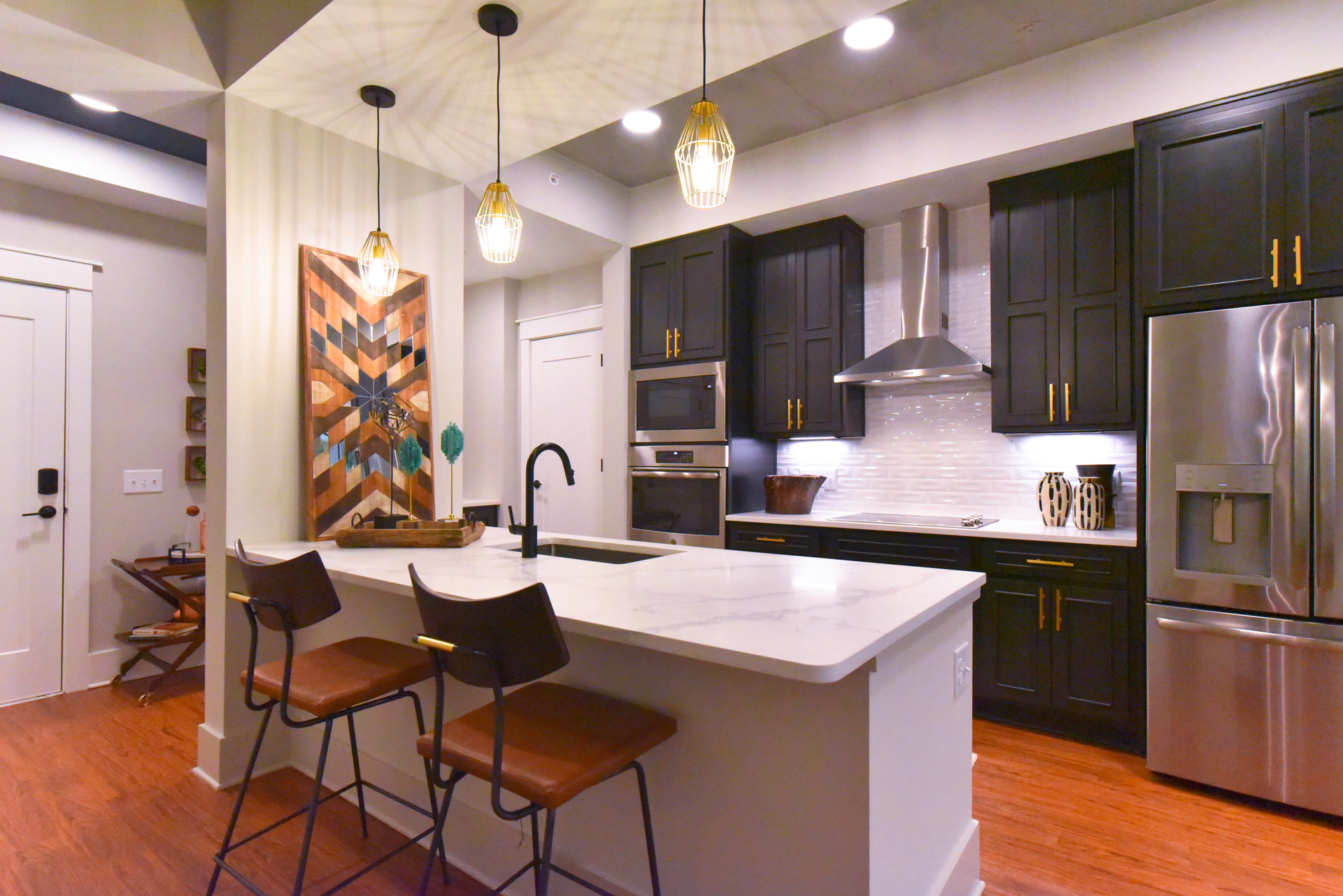 500 West Trade Apartment Features
